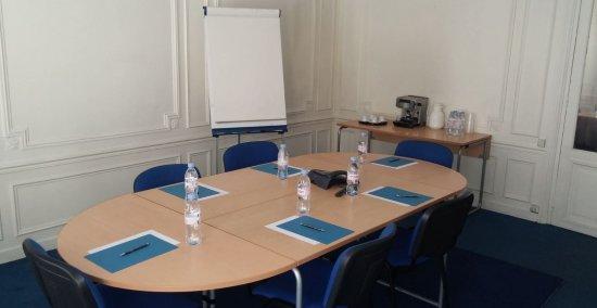 Salle de réunion - Rue de Téhéran - Paris 8